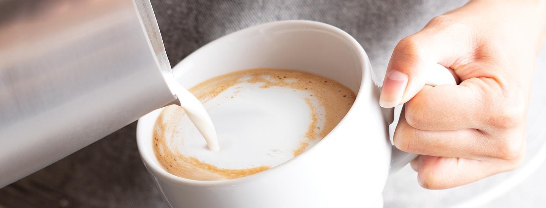 Flat White Pour